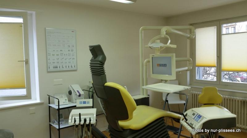 Plissee BB24 beim Zahnarzt
